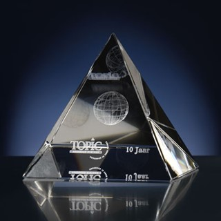 Laser in glas Pyramide